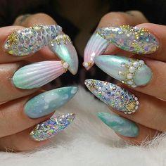 Mermaid Nails by @kristinakustomnails