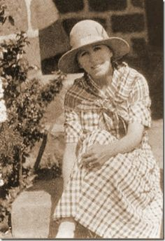 """Karen Blixen / Isak Dinesen: Danish author who wrote """"Out of Africa"""" after living in Kenya. Karen Blixen, Out Of Africa, East Africa, Meryl Streep, Beryl Markham, Finch Hatton, In And Out Movie, African History, Safari"""