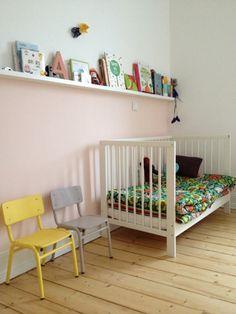 Kids room - Floral bedding - Via For Interieur Big Girl Rooms, Boy Room, Baby Bedroom, Kids Bedroom, Kids Corner, Nursery Inspiration, Fashion Room, Kid Spaces, Kids Decor