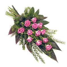 Горизонтальный букет из роз с бесплатной доставкой в Москве http://www.dostavka-tsvetov.com/tsvet/kardelina