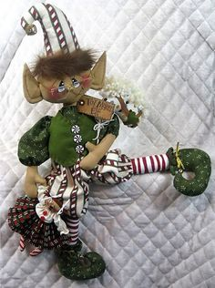 Primitive e-pattern LARGE ELF SIMON 26 | Etsy Christmas Elf Doll, Christmas Sewing, Primitive Christmas, Christmas Time, Christmas Quilting, Primitive Snowmen, Christmas Things, Felt Christmas, Country Christmas