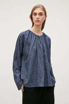 COS image 2 of Top with gathered neckline in Dark Blue Cos Fashion, Cut Sweatshirts, Dark Blue, Cashmere, How To Make, How To Wear, Ruffle Blouse, Neckline, Tunic Tops
