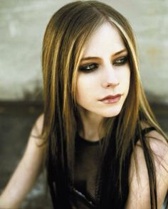 Avril Lavigne, Under My Skin Pop Punk, Avril Lavigne Pictures, Avril Lavigne Style, Avril Levigne, Celebrity Look Alike, Under My Skin, She Is Gorgeous, Hollywood Celebrities, Female Celebrities