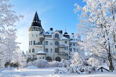 "The ""Imatran Valtionhotelli"" Castle Hotel in Imatra, South-Eastern Finland . Finland Destinations, Great Places, Beautiful Places, Alaska, Visit Helsinki, Finland Travel, Reserva Natural, City Landscape, Landscape Pictures"