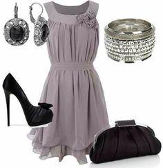Zwart en grijs. Black n gray designer style. Add a black waterfall cardigan w a thin silver chain waist belt for evening.