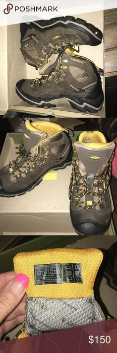 Keen women's hiking boots New, received as a gift, but too small. These boots run small, 9 fits like a 8. Keen Shoes Lace Up Boots