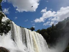 Blog Viagens, Turismo e Aventura: Cachoeira do Rio Claro, Nova Ponte, MGhttp://viagensturismoeaventura.blogspot.com.br/2013/09/cachoeira-do-rio-claro.html