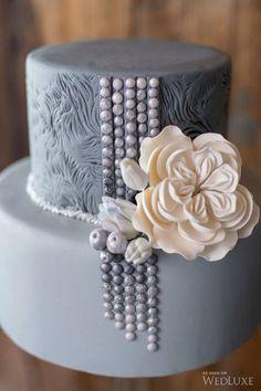 Enesco Legacy of Love Wedding Bride and Groom Newlywed Cake Topper - Ideal Wedding Ideas Beautiful Wedding Cakes, Gorgeous Cakes, Pretty Cakes, Amazing Cakes, Unique Cakes, Elegant Cakes, Elegant Birthday Cakes, Winter Torte, Wedding Cake Inspiration