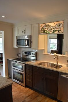 Small Kitchen Layouts Design Ideas, Pictures, Remodel and Decor