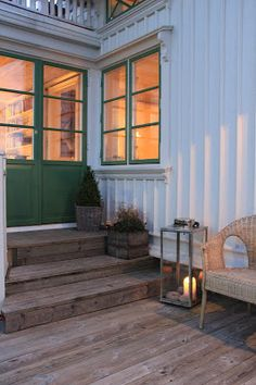 ELSA PÅ HÄLSÖ Country Modern Home, Modern Farmhouse Decor, Small Wooden House, Cottage Renovation, Swedish House, House Entrance, Cottage Design, Cozy Cottage, Home Focus