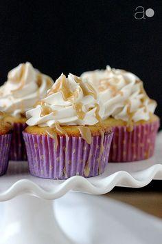 Banana Cupcakes With Cinnamon Cream Cheese Frosting Food E Licious Pinterest Cinnamon Cream Cheese Frosting Banana Cupcakes And Cinnamon Cream