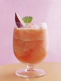 Craquez pour le frosé, un cocktail ultra-simple à réaliser !