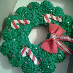 Christmas cupcake cakes by Curshana