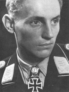 Erich Hartmann,Tthe Blond Knight of Germany Erich Hartmann, The Bolsheviks, Germany Ww2, Last Knights, Military Pictures, The Third Reich, French Films, Luftwaffe, World War Ii