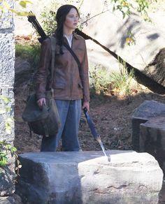 New Mockingjay set photos -  Katniss
