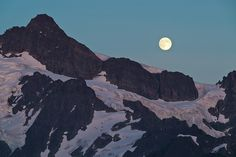 ericmickelson:  Scrambled up Mt Herman last night to catch the full moon rising over Mt Shuksan. Heckuva way to spend an evening. Portfolio: ericmickelson.com Instagram: @_ericmickelson