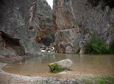 Rutas para refrescarse este verano en la Comunitat Valenciana - Levante-EMV Valencia Spain, Mount Rushmore, Mountains, Water, Travel, Outdoor, Imagines, Beverage, Places To Visit