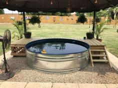 Stock Tank Pool Ideas For Your Incredible Summer [MUST-LOOK] - Get your stock tank pool DIY ideas right here! ✅ Find from galvanized, plastic, poly or metal stock tank pool inspirations. Piscina Diy, Mini Piscina, Stock Pools, Stock Tank Pool, Poly Stock Tank, Swimming Pool Designs, Swimming Pools, Lap Pools, Indoor Pools