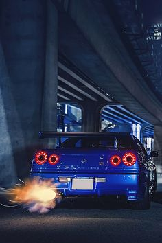 Blue R34 with awesome exauhst