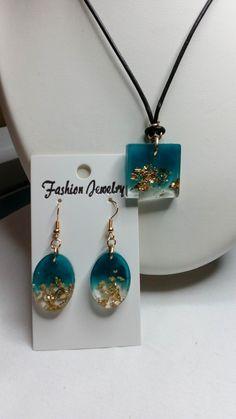 Diy Resin Earrings, Resin Jewelry Molds, Making Resin Jewellery, Resin Necklace, Clay Jewelry, Jewelry Crafts, Beaded Jewelry, Handmade Jewelry, Epoxy Resin Art