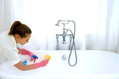 11 simple but brilliant tricks to make your home sparkle Household Cleaning Tips, Diy Cleaning Products, Cleaning Hacks, Jacuzzi, Nova, Bude, Interesting Information, Clean Up, Bathroom Storage