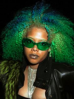 How can we possibly forget that Kelis used to rock her gorgeous tresses in unique shades?