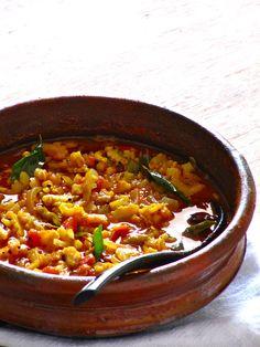 Pavakka Mulakittadu: Sour and Spicy Bitter Melon Curry | http://nashplateful.blogspot.com/2012/07/pavakka-mulakittadu-sour-and-spicy.html