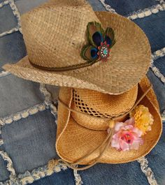 DIY cowboy hat customization on victoriadaytoday.com Perfect for Stampede!