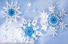 Several options for weaving snowflakes