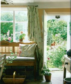 .garden room \ Country vibe Floral loveliness