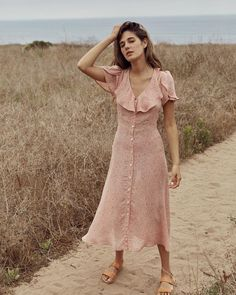 Our most popular Daisy Dress in Pink Floral comes back tomorrow at PST! Trendy Summer Outfits, Cute Casual Outfits, Retro Outfits, Holiday Outfits, Stylish Outfits, Modest Fashion, Boho Fashion, Vintage Fashion, Fashion Outfits