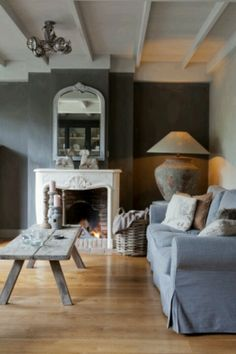 Vicky's Home: Rustico y elegante /Rustic and elegant (that lamp! My Living Room, Home And Living, Living Room Decor, Living Spaces, Living Room Inspiration, Interior Inspiration, Salons Cosy, Room Interior, Interior Design