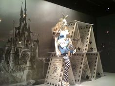 Fairytale Store Decor - The Printemps Haussmann 'Alice in Wonderland' (GALLERY)