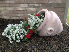 23 vasos que derramaram suas flores transformando-as em arroios de pintura 10