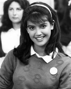Photo: Phoebe Cates, Private School Poster : She's So Beautiful. Beautiful People, Beautiful Women, School Posters, Actrices Hollywood, Haircuts With Bangs, Tips Belleza, Timeless Beauty, Beautiful Actresses, Movie Stars