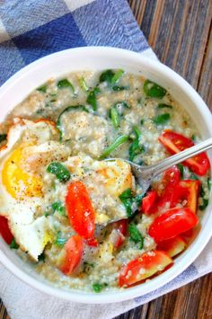 Creamy Savory Oats with Spinach, Egg, and Tomato