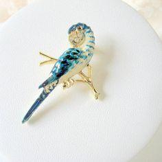Sweet Vintage Parakeet Bird Brooch Hand Painted