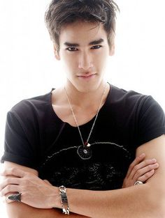 My new thai obsession -> Nadech Kuginiya. akhirnya bs move on dr Mario Maureer ^^,) Hot Actors, Actors & Actresses, Dramas, Men's Street Style Photography, Asian Male Model, Asian Hotties, Most Handsome Men, Korean Star, Famous Men