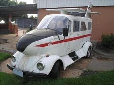 Do you want to fly your VW beetle? Airplane body on VW Beetle Strange Cars, Weird Cars, Cool Cars, Crazy Cars, Ferdinand Porsche, Volkswagen, Carros Vw, Combi Wv, Convertible