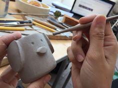 Producción cerámica maceta cachorro #araberabarromoldeado mini maceta
