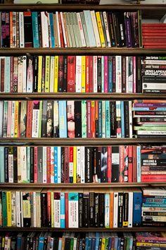 Mokkasin- grund bokhylla (dörr) för pocketböcker