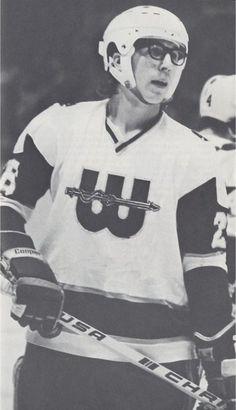 Steve Carlson New England Whalers Hockey Rules, Hockey Logos, Hartford Whalers, Slap Shot, Good Old Times, Boston Sports, Sports Pictures, Hockey Players, Ice Hockey