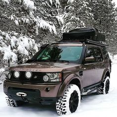 Your family's car SUVs, which we know for their sportier appearance, fall into the category of pickup trucks. The SUV, … Range Rover Off Road, Range Rover Car, Jeep Camping, Jeep Stiles, Offroad, Land Rover Discovery 2, Land Rover Models, Range Rover Supercharged, Land Rover Freelander