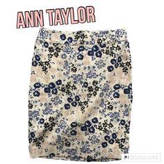 AnnTaylor pencil skirt SPRING Floral blue & cream AnnTaylor pencil skirt SPRING Floral blue & cream Ann Taylor Skirts Pencil