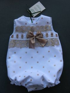 Clothing for girls Baby Outfits, Little Girl Dresses, Toddler Outfits, Kids Outfits, Sewing For Kids, Baby Sewing, Little Girl Fashion, Kids Fashion, Kind Mode