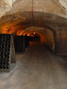 @harknesssj - #foranyone Visit the champagne caves in #Epernay