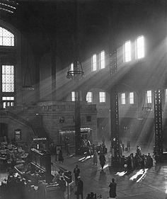 Union Station, 1953, Chicago. Union Station Chicago, Chicago Area, Antique Photos, Old Photos, Vintage Photos, Chicago Winter, Chicago Photos, Chicago Travel, Chicago Photography