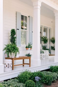 Our Front Porch Makeover | Gal Meets Glam @lowes #frontporch #sponsored