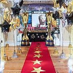 Great Hollywood Party entrance -- perfect for an Oscars party or a Hollywood theme Red Carpet Theme, Red Carpet Party, Carpet Decor, Oscar Party, Star Wars Party, Movie Party, Party Time, Hollywood Thema, Old Hollywood Party