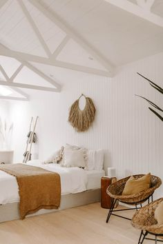 Garage Guest House, House Beds, Bespoke Furniture, Renting A House, Decoration, Home Goods, Living Spaces, House Design, Interior Design